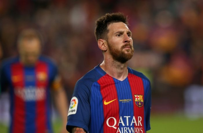 Messi to stay at Barcelona until 2021 under new deal